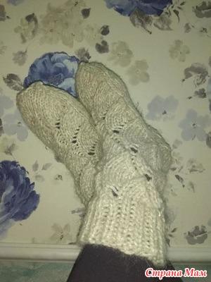 носочки с узором листики