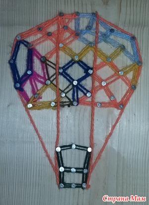 Воздушный шар из гвоздей и ниток