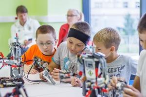 Заинтересуйте ребенка робототехникой: недорогие и классные конструкторы от «Галамарта»