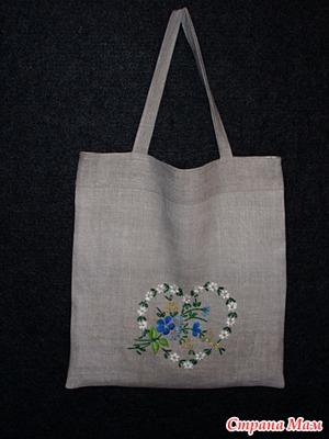baa9bf2d2887 Текстильная сумка из домотканого льна. На подкладке ,с внутренним карманом.  Ручная вышивка нитками и бисером. Высота 44см, ширина 41см, высота ручки  26см.
