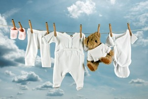 Стиральная машина VS ручная стирка: как лучше стирать детский текстиль