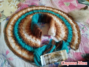 Манишка спицами Alize angora gold batik
