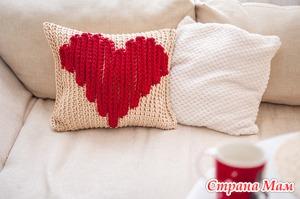 Бесплатный видео мастер-класс по вязанию подушки с сердцем ко Дню всех влюбленных