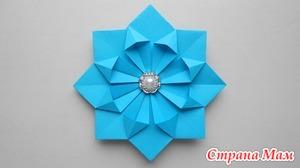 Как сделать цветок из бумаги для украшения подарка к 8 марта или на день всех влюбленных