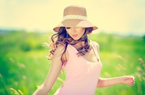 Лёгкий и яркий летний макияж 2021