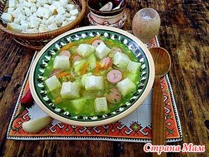 Гороховый суп сосисками и черемшой.